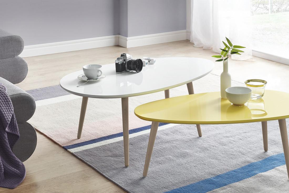 Emejing table de salon jaune contemporary awesome for Tables gigognes scandinaves